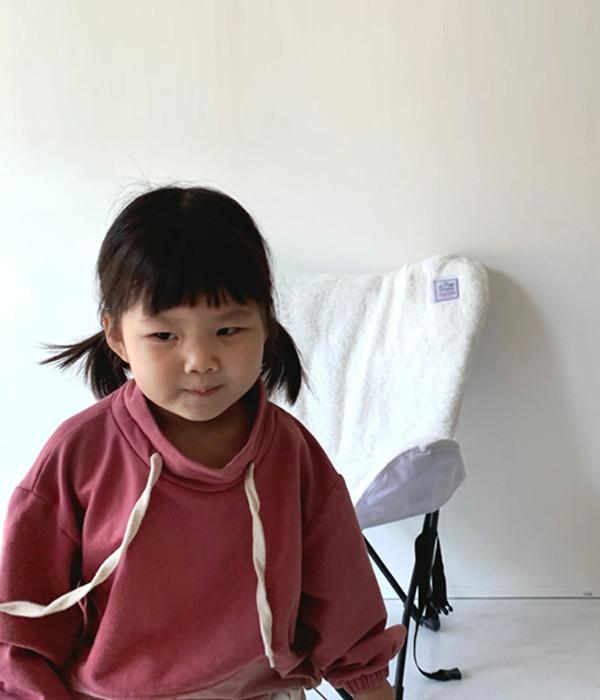 더라라라 하프하이맨투맨(모델)