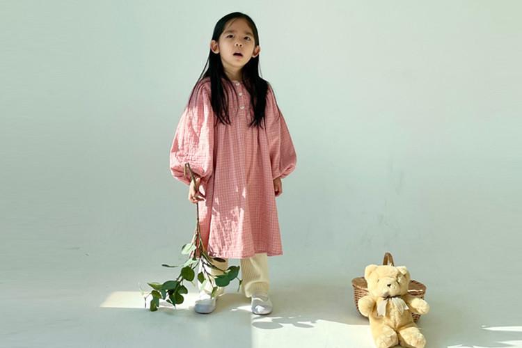위위 벨라원피스(모델)